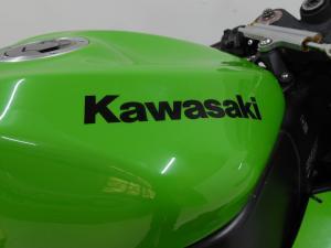 Kawasaki ZX10-R - Image 8