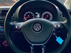 Volkswagen Polo Vivo hatch 1.6 Highline - Image 9