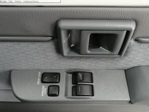Toyota Land Cruiser 79 Land Cruiser 79 4.5D-4D LX V8 - Image 6