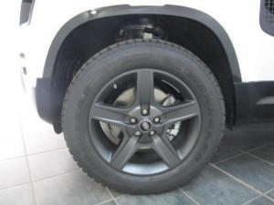 Land Rover Defender 110 D240 X-Dynamic SE - Image 5