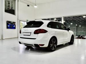 Porsche Cayenne GTS - Image 15