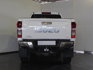 Isuzu KB 300D-Teq Extended cab LX - Image 4