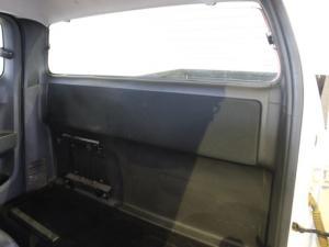 Isuzu KB 300D-Teq Extended cab LX - Image 6