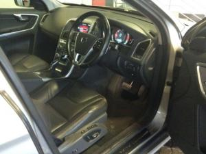 Volvo XC60 D4 Momentum Geartronic - Image 2