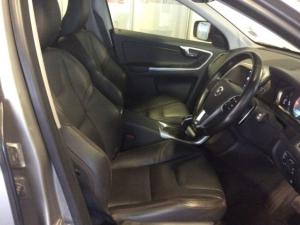 Volvo XC60 D4 Momentum Geartronic - Image 5