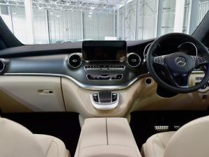 Mercedes-Benz V-Class V300d Exclusive - Image 11