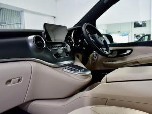 Mercedes-Benz V-Class V300d Exclusive - Image 16