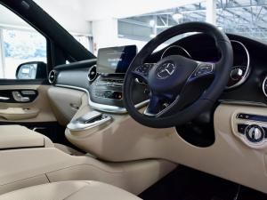 Mercedes-Benz V-Class V300d Exclusive - Image 9