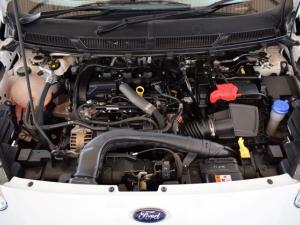 Ford Figo sedan 1.5 Ambiente - Image 16