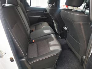 Toyota Hilux 2.8GD-6 double cab Raider auto - Image 8