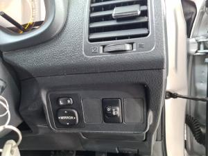 Toyota Corolla 1.6 Advanced automatic - Image 18