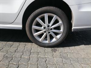 Volkswagen Polo sedan 1.4 Comfortline - Image 3