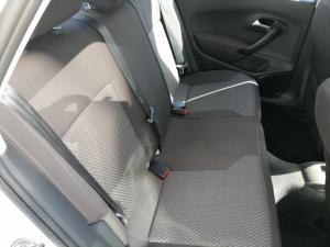 Volkswagen Polo sedan 1.4 Comfortline - Image 6