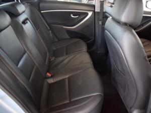 Hyundai i30 1.8 GLS - Image 11