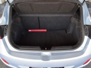 Hyundai i30 1.8 GLS - Image 12