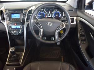 Hyundai i30 1.8 GLS - Image 15