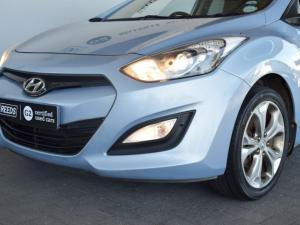 Hyundai i30 1.8 GLS - Image 5