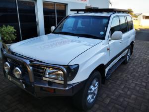 Toyota Land Cruiser 100 V8 automatic - Image 6