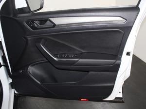 Volkswagen T-ROC 1.4 TSI Design Tiptronic - Image 15