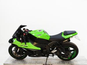 Kawasaki ZX10-R - Image 4