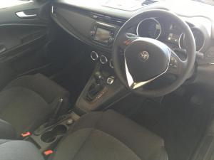 Alfa Romeo Giulietta 1.4T Base TCT 5-Door - Image 5