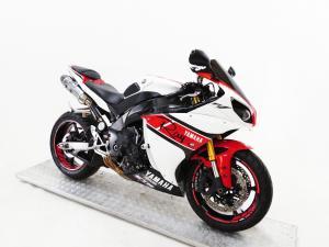 Yamaha YZF R1 - Image 2