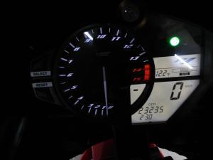 Yamaha YZF R1 - Image 9