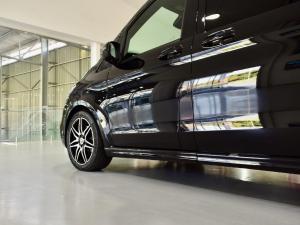 Mercedes-Benz V-Class V300d Exclusive - Image 2