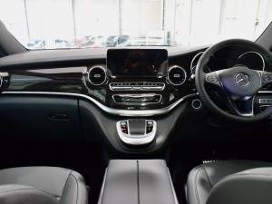 Mercedes-Benz V-Class V250d Avantgarde - Image 11