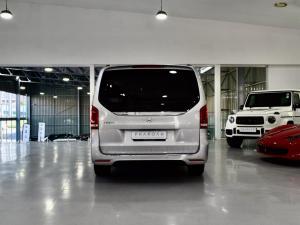 Mercedes-Benz V-Class V250d Avantgarde - Image 14