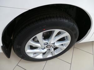 Toyota Corolla Quest 1.8 Prestige auto - Image 9