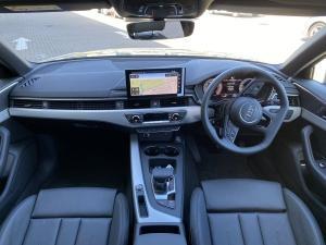 Audi A4 2.0T FSI Stronic - Image 13