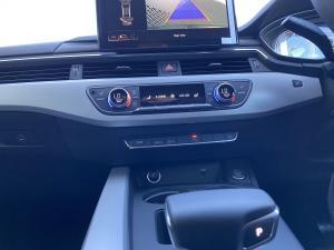 Audi A4 2.0T FSI Stronic - Image 15