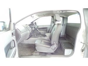 Ford Ranger 3.2TDCi SuperCab 4x4 XLS auto - Image 7
