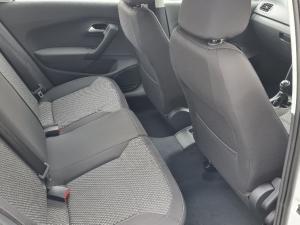 Volkswagen Polo sedan 1.4 Comfortline - Image 5