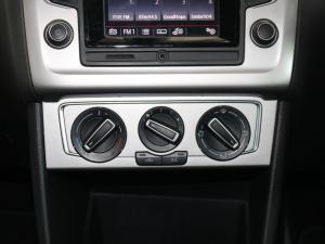 Volkswagen Polo hatch 1.2TSI Highline - Image 18