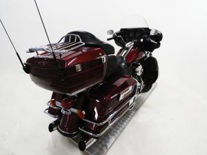Harley Davidson CVO Street Glide - Image 6