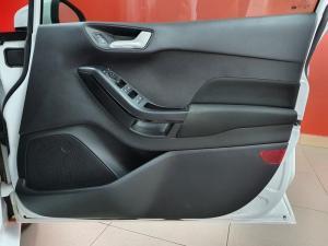 Ford Fiesta 1.0 Ecoboost Trend 5-Door - Image 17