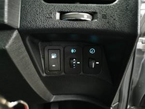 Mahindra XUV500 2.2CRDe W8 AWD - Image 14