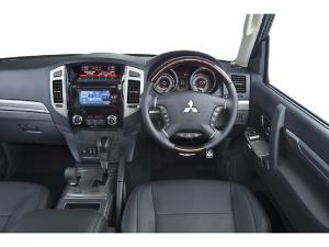Mitsubishi Pajero 3-door 3.2DI-D GLS - Image 4