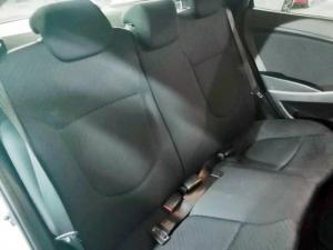 Hyundai Accent 1.6 GLS auto - Image 16
