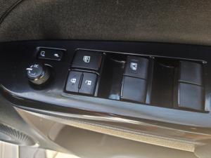 Toyota Yaris 1.5 Xs auto - Image 17