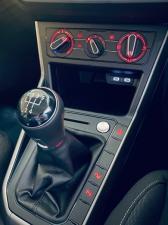 Volkswagen Polo hatch 1.0TSI Comfortline - Image 11