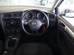 Volkswagen Golf 1.0TSI Trendline - Image 10