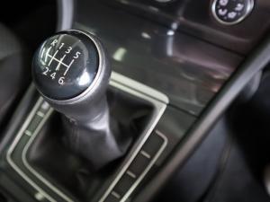 Volkswagen Golf 1.0TSI Trendline - Image 21