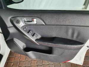 Kia Cerato sedan 2.0 SX - Image 15