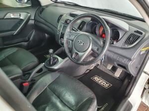 Kia Cerato sedan 2.0 SX - Image 8