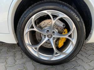 Alfa Romeo Stelvio 2.9T V6 Q Race - Image 6