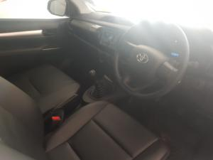 Toyota Hilux 2.0 S - Image 10