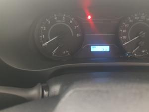 Toyota Hilux 2.0 S - Image 7